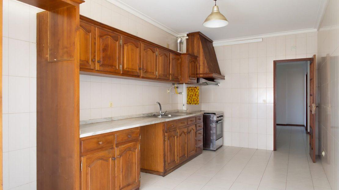 3_Onirodrigues Apartamento T3 Sao Vicente Fonte Mundo Cozinha