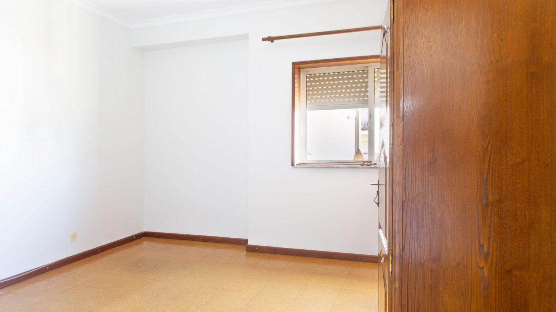 5_Onirodrigues Apartamento T3 Sao Vicente Fonte Mundo Quarto