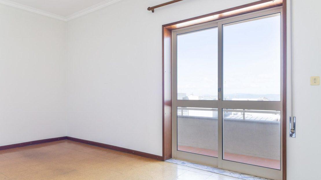 6_Onirodrigues Apartamento T3 Sao Vicente Fonte Mundo Quarto